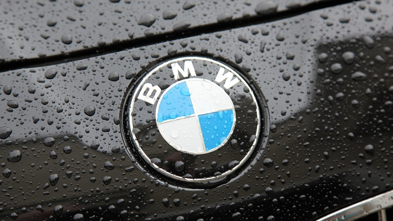 BMW promises self-driving cars by 2021