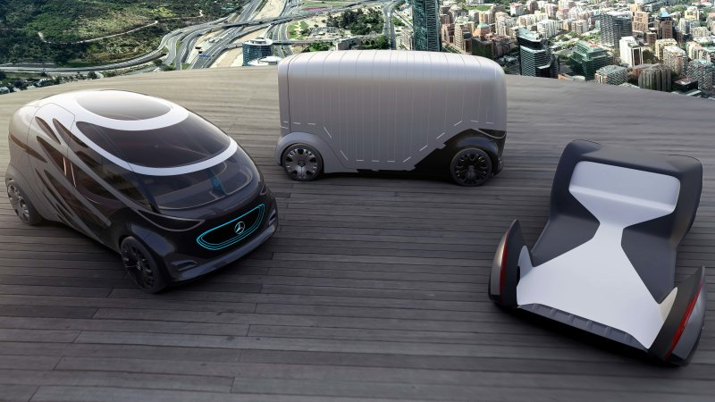 Mercedes-Benz Urbanetic van is an autonomous body-swapper