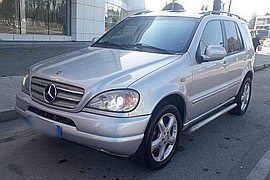 2000' Mercedes-Benz ML 320