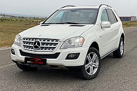 2009' Mercedes-Benz ML 300