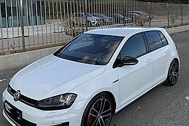 2013' Volkswagen Golf