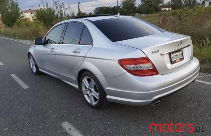 2009 Mercedes-Benz C 300 in Kavaje, Albania