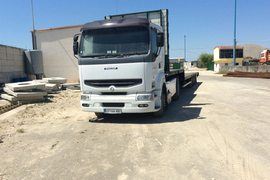 2002' Renault Trailer included in price